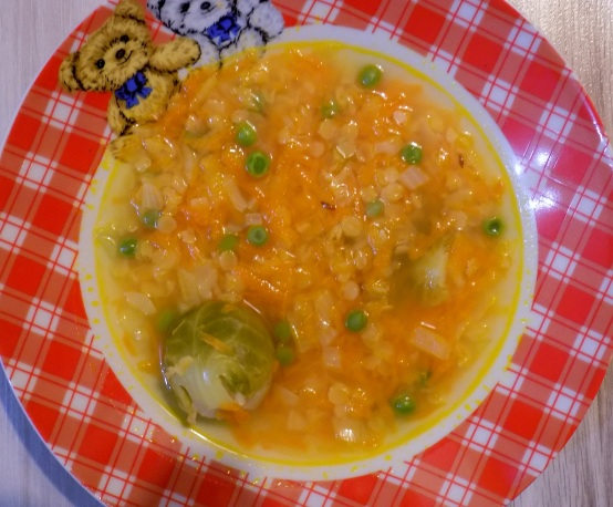 Zeleninová polievka s červenou šošovicou